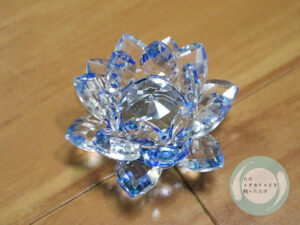 蓮型水晶の置物